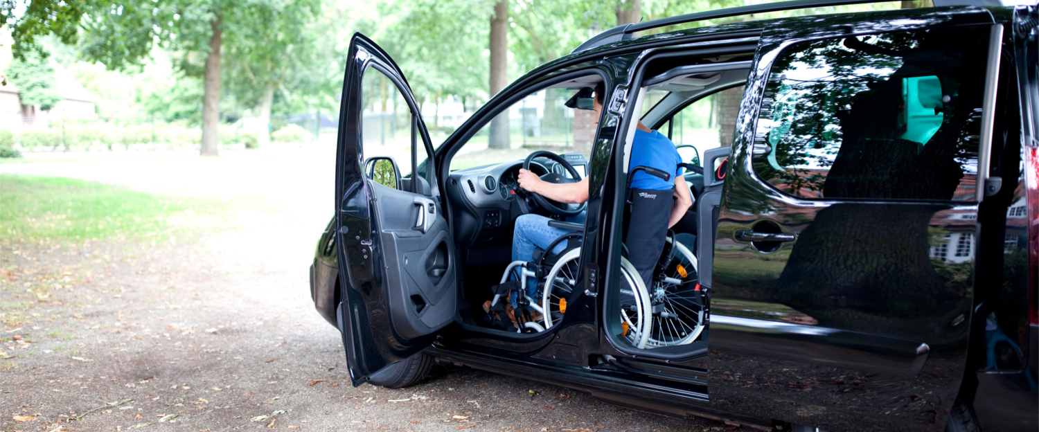 UpFront independent driving wheelchair