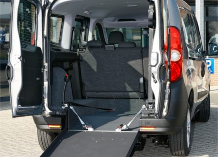 Opel Combo L2 back ramp open